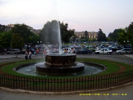 Κάτω πλατεία - Συντριβάνι