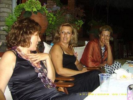 Η μαμά, η κ. Δήμητρα και η κ. Γιούλη